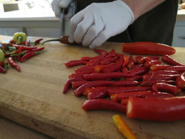 chopping-peppers