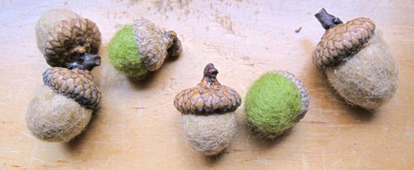 felted-acorns-2