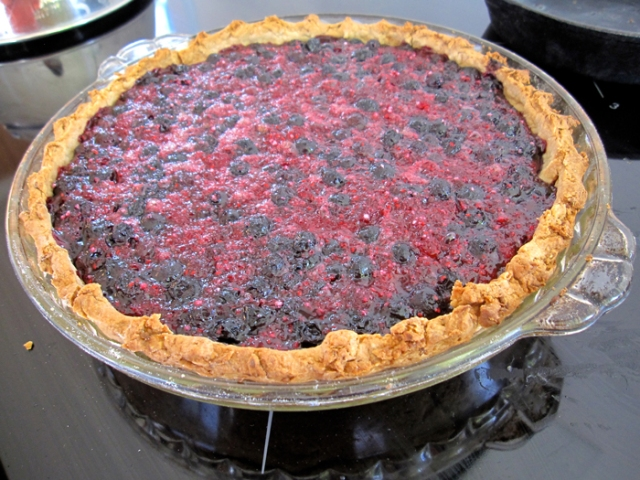 raspberry-blueberry-pie